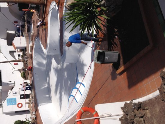 Puerto Caleta : Finished apart from fixings