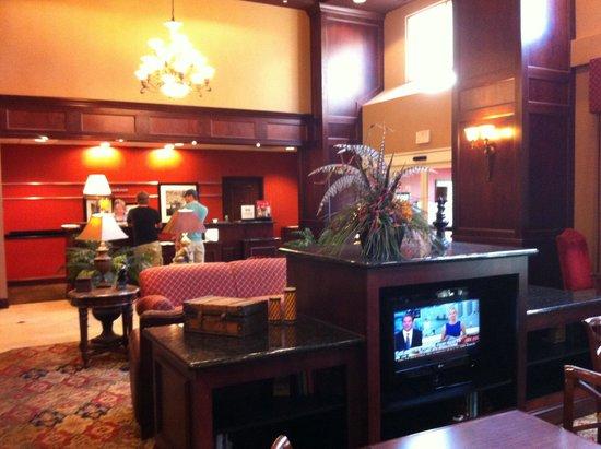 Hampton Inn & Suites Jackson: Lobby