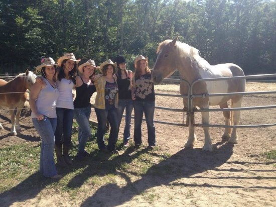 Emerald Hollow Farm: Photo opp with Mac