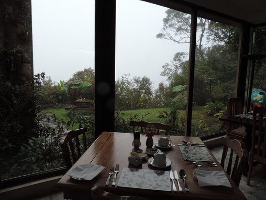Poas Volcano Lodge: Sala de desayuno