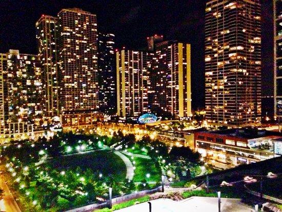 Radisson Blu Aqua Hotel: night view from our balcony