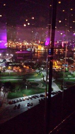 DoubleTree by Hilton Istanbul - Moda: Ausblick auf die Europäische Seite vom 360 Grad Restaurant.