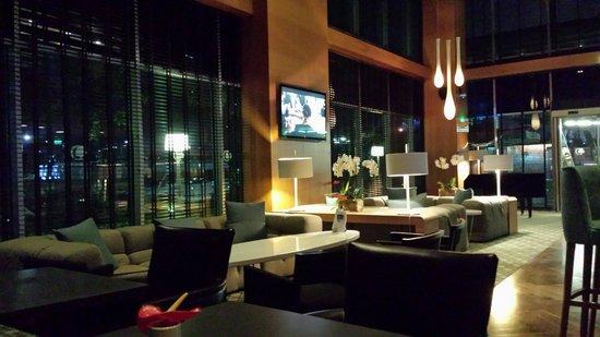 DoubleTree by Hilton Istanbul - Moda: Bar