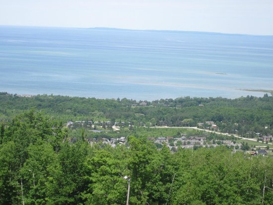 Blue Mountain Inn : view from top of mountain