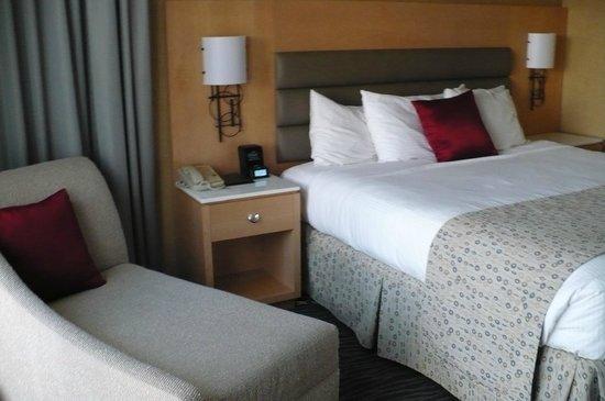 Warwick Seattle: Room 1515