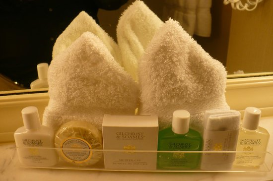 Warwick Seattle: Complimentary Gilchrist & Soames toiletries