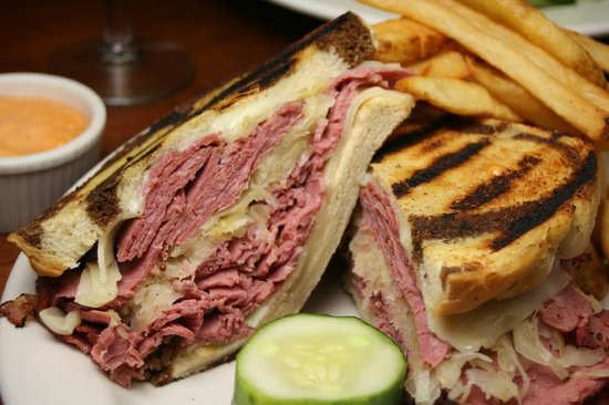 L T Evans Eatery & Drafthouse: Serving Lunch and Dinner daily
