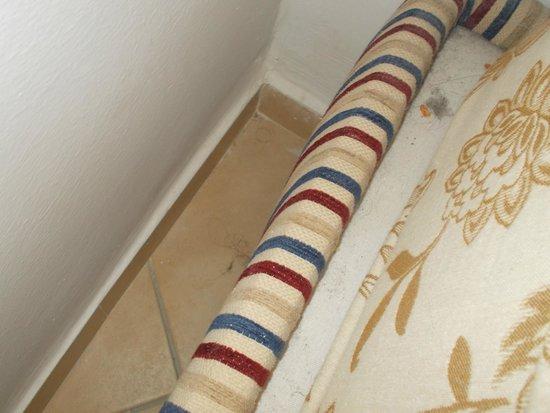 Marhaba Royal Salem: floor next to the sofa