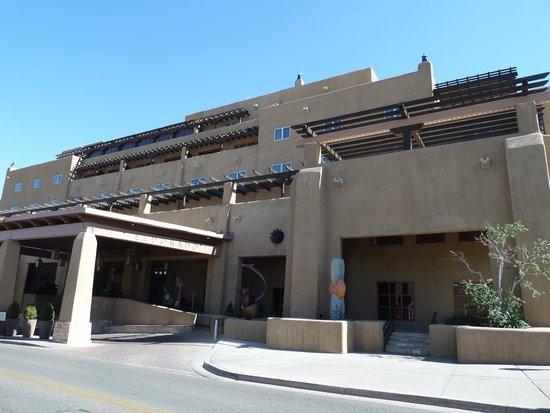 El Dorado Hotel & Spa : Front of hotel