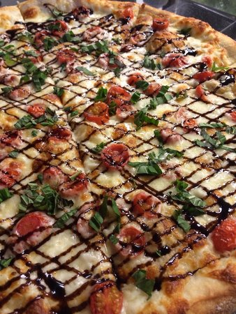 Pies & Pints: Mozzarella Caprese pie