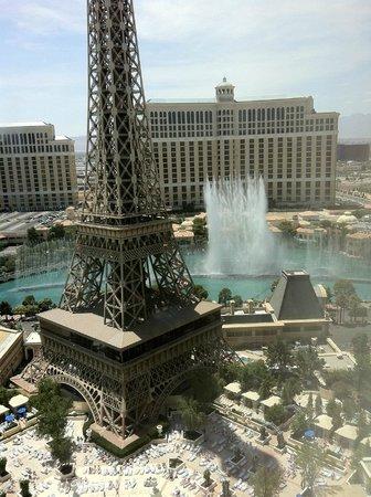 百樂宮噴泉與巴黎鐵塔- Picture of Paris Las Vegas, Las Vegas