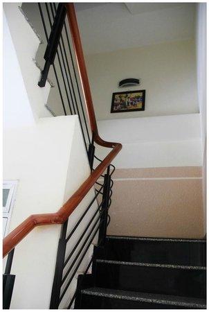 Dalat Xua va Nay Hotel: Hành lang cầu thang