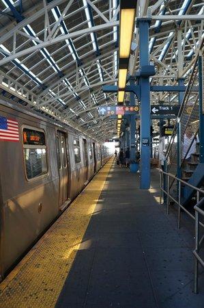 Holiday Inn Express New York - Manhattan West Side: Métro