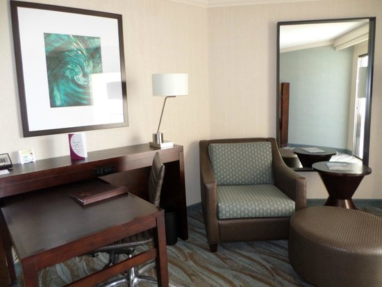 Crowne Plaza Redondo Beach & Marina: King Superior Room