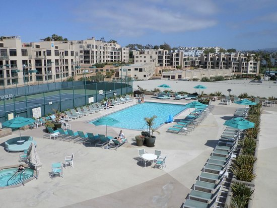 Crowne Plaza Redondo Beach Marina Pool Area