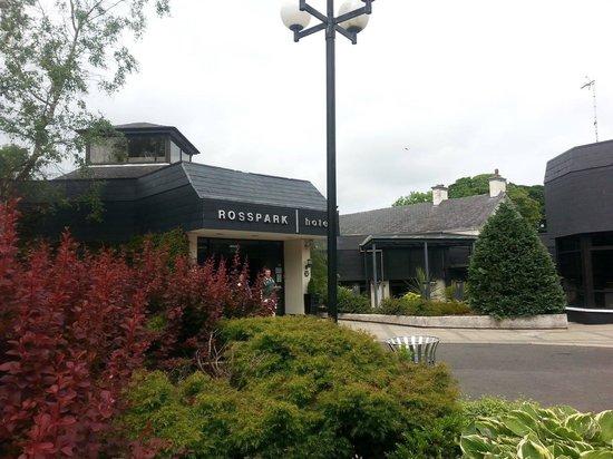 Rosspark Hotel: Hotel entrance