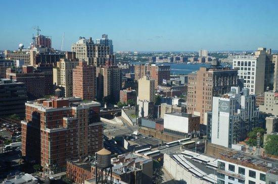 Holiday Inn Express Manhattan Midtown West: Vue de la chambre