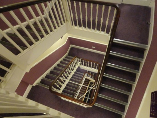 Premier Inn London Victoria Hotel : There are lifts and there are stairs.
