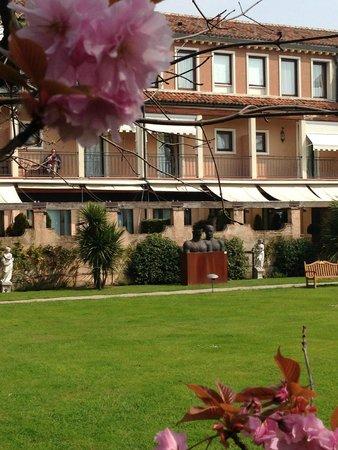 Belmond Hotel Cipriani: backyard