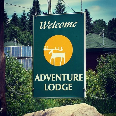 Adventure Lodge: Entrance