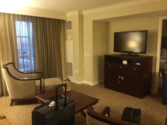 Hilton Grand Vacations on Paradise (Convention Center): One bedroom living room