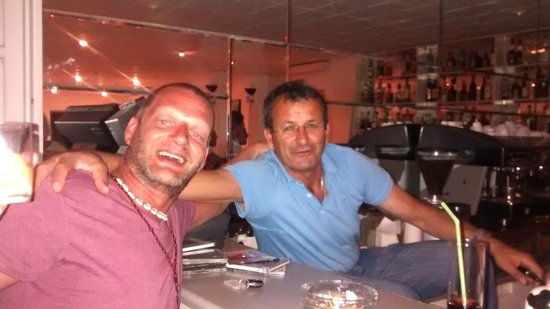 Athina Hotel: My friend, not your friend, my friend .. the one and only MAKIS (In blue)