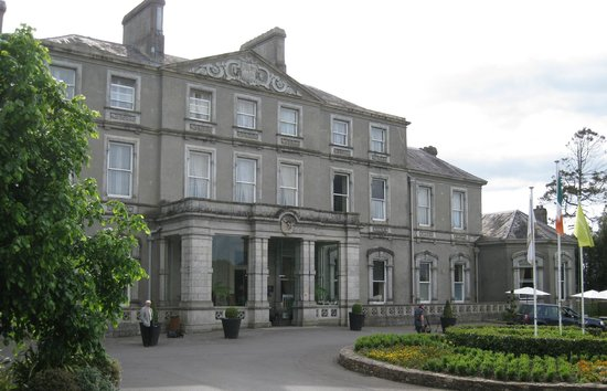 Faithlegg House Hotel & Golf Resort : Front of the hotel