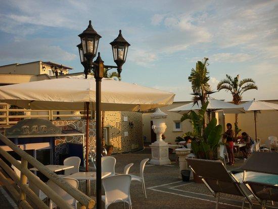 Baia delle Sirene Park Hotel: scorcio hotel