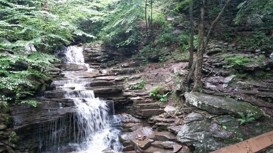 Trough Creek State Park: Rainbow falls