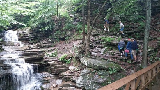 Trough Creek State Park: Rainbow falls plus steps to Balanced Rock