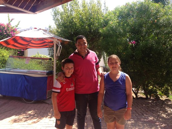 Mexicana Sharm Resort : Mosa and the kids