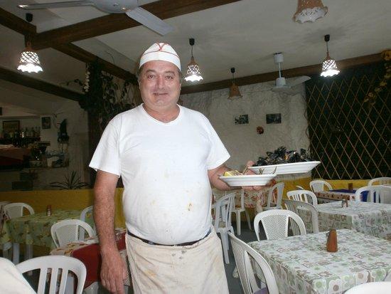 Taverna Pietro Paolo detto Stalino: Отец семейства, он же шеф-повар