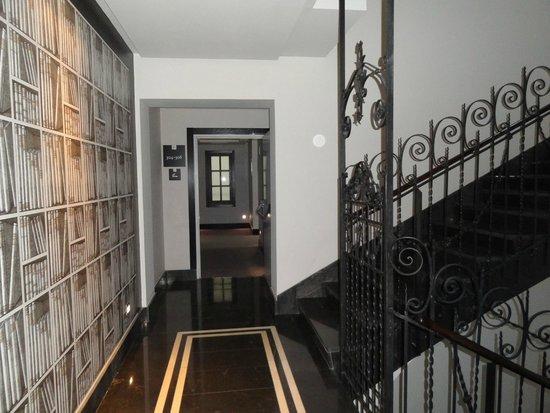Hotel Boutique Gareus: 3rd floor stairwell next to elevator