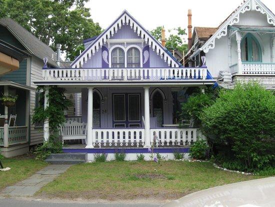 Cottage Museum: Pretty in Purple!