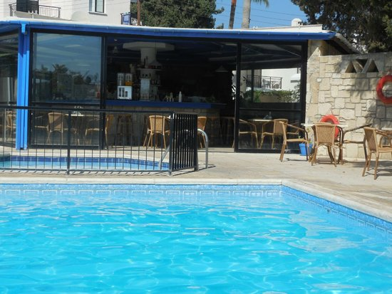 the bar picture of hilltop gardens hotel apartments paphos rh tripadvisor co za