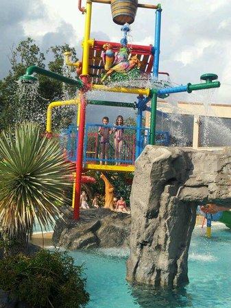 Villaggio Blue Marine: altra immagine della piscina x i piccoli