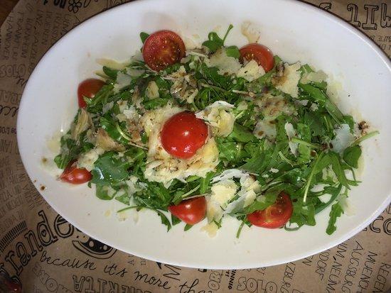 L'Osteria: Salad