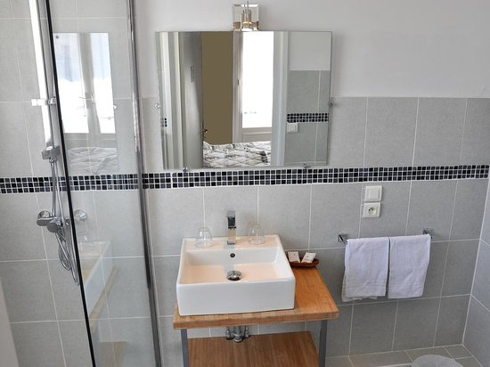 Hôtel Porto Rico : Salle de bain douche