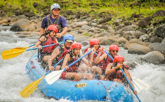 Go Tours Costa Rica - Day Tours: White water rafting at Sarapiqui river