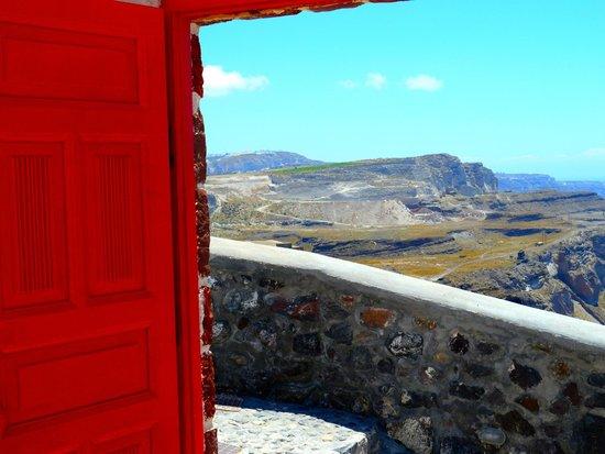 Aigialos Hotel: Vista dall'entrata dell'hotel