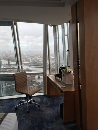 Shangri-La Hotel, At The Shard, London: View from the first room