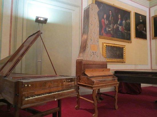 Galleria dell'Accademia : Museo de los instrumentos musicales, dentro de la Galería de la Academia