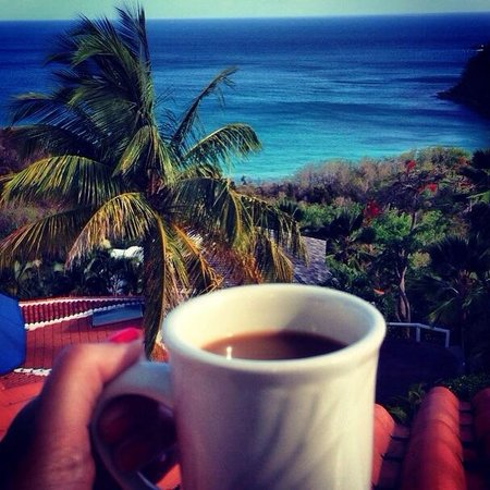 Windjammer Landing Villa Beach Resort : Coffee in the villa patio