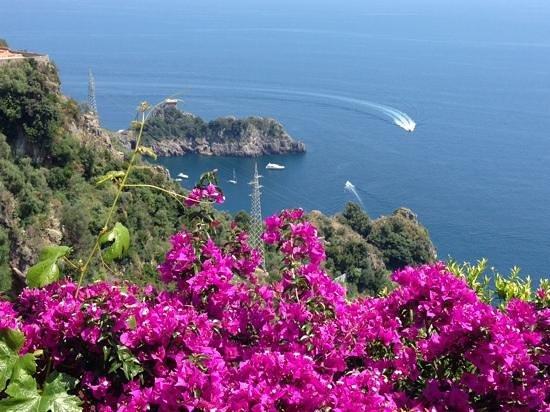 Locanda degli Agrumi: vista dalla discesa per il mare