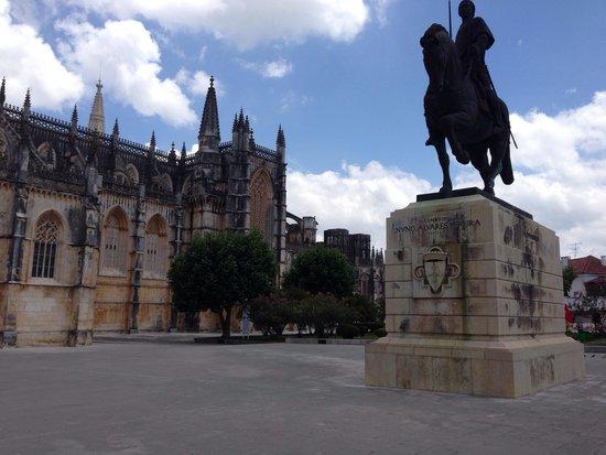 Inside Lisbon Tours : The gothic majesty of the Monastery of Batalha