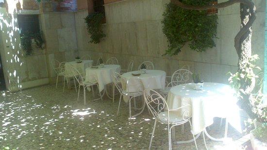 Hotel Casa Boccassini: cour extérieure