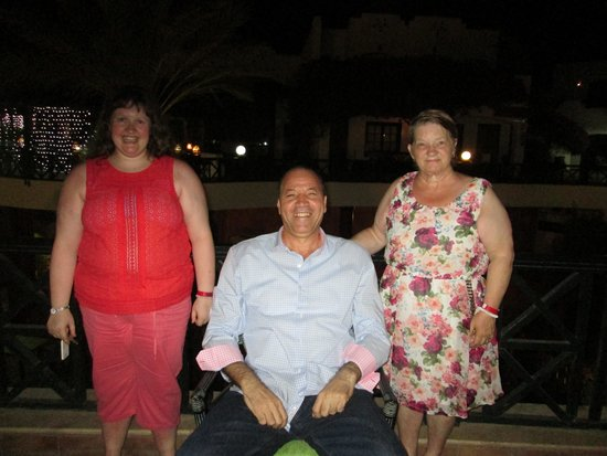 Verginia Sharm Resort: Me and my mum with the General Manager