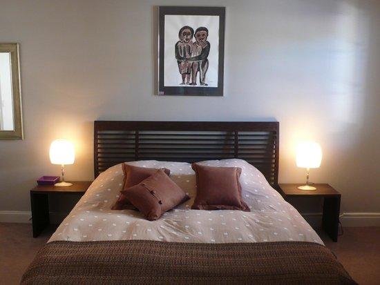 Chambres d'hotes Maxana : Chambre Hortensias au 1er étage de la maison Maxana