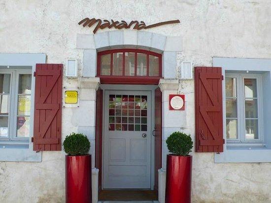 Chambres d'hotes Maxana : Façade entrée Maxana