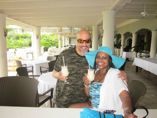 Sunscape Cove Montego Bay: We had a blast At Oasis At Sunset Beach!
